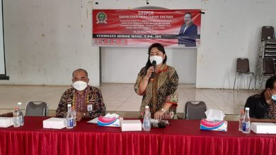 Photo of Ketua Komisi II DPRD Kaltim Veridiana Huraq Wang Konsisten Sosialisasikan Perda Pajak