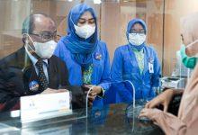 Photo of Peringati Hari Pelanggan Nasional, Hairuzzaman Terjun Langsung Berikan Pelayanan kepada Nasabah