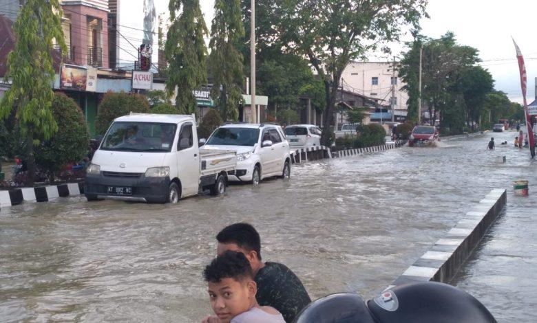 Photo of Diguyur Hujan, 34 Titik Samarinda Dilanda Banjir